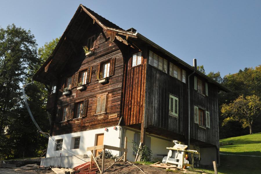 flury innen aussen ag 2011 bauernhaus hergiswil. Black Bedroom Furniture Sets. Home Design Ideas